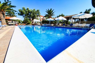 alexaria family apartments in lefkada